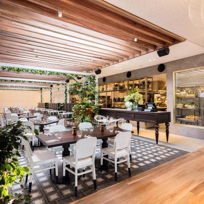 Jupiters Casino Garden Bar